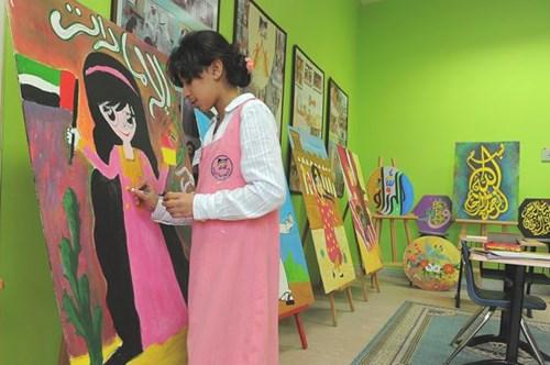 عرض للطالبات في مدرسة الافاق للبنات