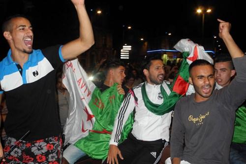 فراح هستيرية لجماهير الجزائر الانجاز