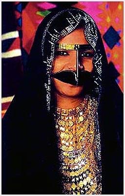 الملابس التراثية الإمارات بالصور