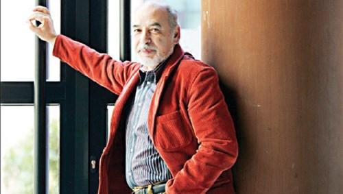 الكاتب المغربي الطاهر بن جلون