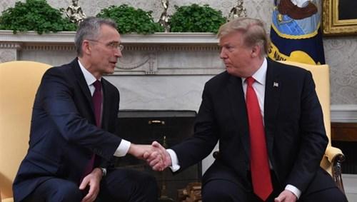 """ترامب يشيد بالزيادة الهائلة للإنفاق العسكري في """"الناتو"""" 20194301439421G8"""
