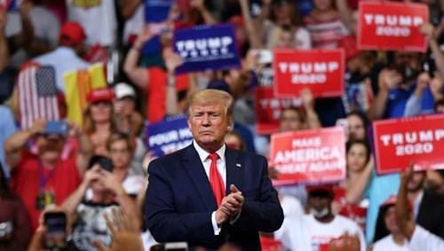دونالد ترامب خلال إطلاق حملته الانتخابية رسمياً في أورلاندو