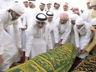 وحامد زايد يؤديان صلاة الجنازة