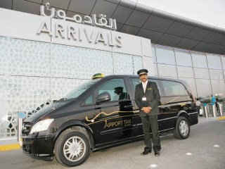 ضبط 122 سائقاً يهرّبون الركاب في مطار أبوظبي
