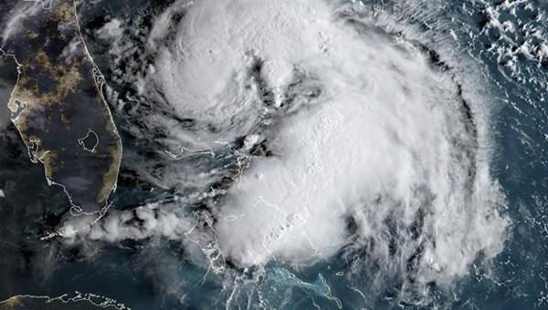 """صحيفة الاتحاد - العاصفة """"هامبيرتو"""" تتحول إلى إعصار"""