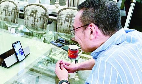 عبدالله بن زايد ووزير خارجية ماليزيا يبحثان جهود احتواء «كورونا»