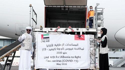 مساعدات طبية إماراتية إلى ألبانيا