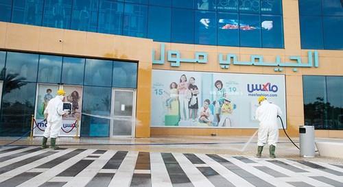 30 ألف ساعة عمل لتعقيم 849 موقعاً بمدينة العين