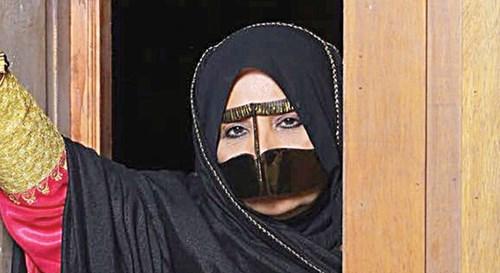 موزة عبدالله: «وحشتنا لمّة الفريج»