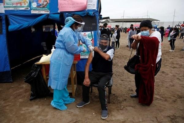 إصابات كورونا العالمية تتجاوز 131.57 مليون حالة