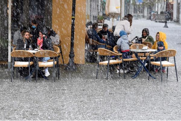 ألمانيا تواصل تسجيل إصابات قياسية بكورونا
