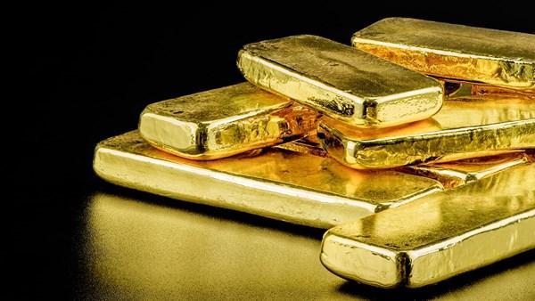 الذهب يرتفع مع انخفاض الدولار  image