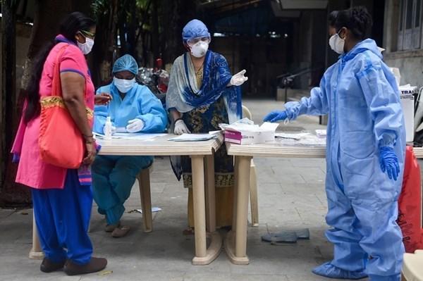 الهند تسجل 930 وفاة جديدة بكورونا