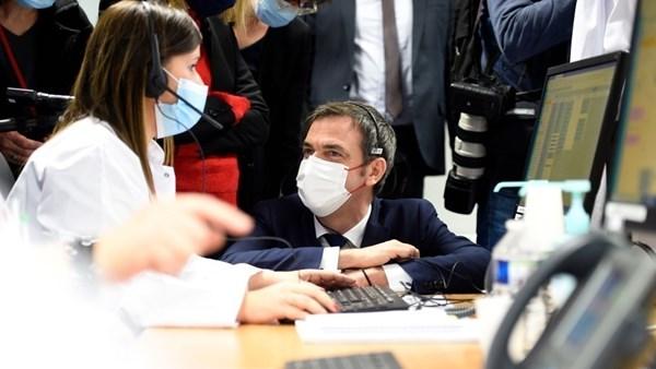 فرنسا: التطعيم ضد كورونا أصبح إلزامياً